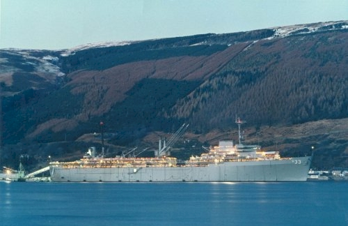 USS Simon Lake (AS-33) in the Holy Loch - image