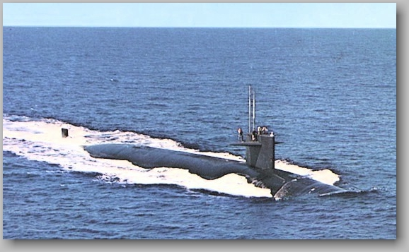 SSN-603  running on the surface - photo